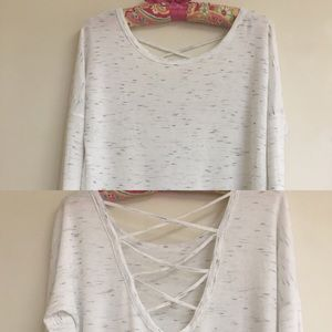 Tops - Soft long sleeve with crossed back